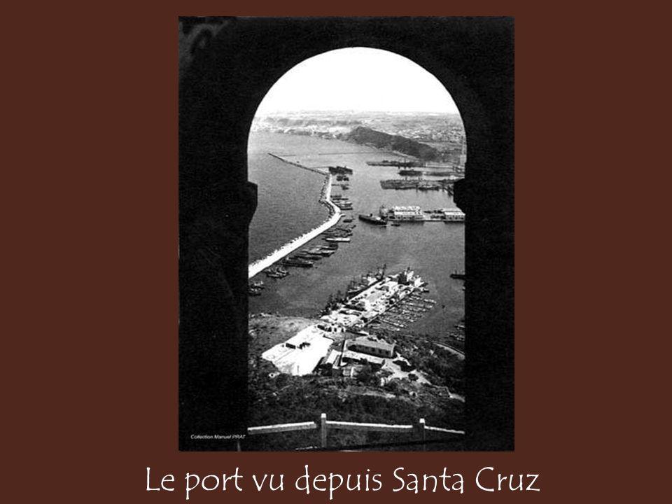 Le port vu depuis Santa Cruz