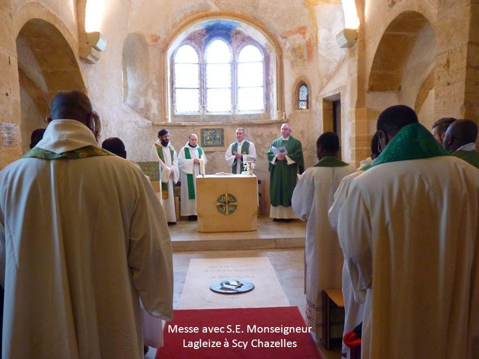 Messe avec S.E. Monseigneur Lagleize à Scy Chazelles