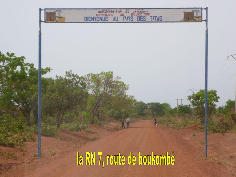 la RN 7, route de boukombé