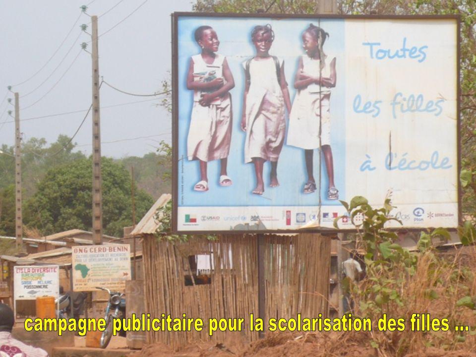 campagne publicitaire pour la scolarisation des filles ...