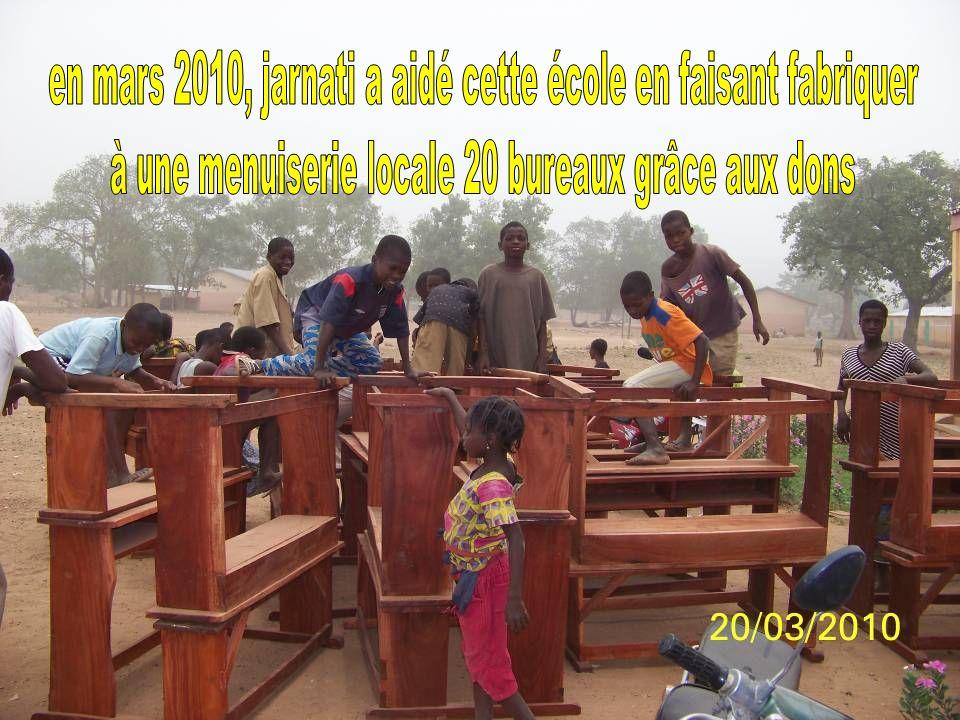 en mars 2010, jarnati a aidé cette école en faisant fabriquer