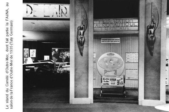 Le stand du Comité d'Outre-Mer, dont fait partie la FAéNA, au salon de la France d'Outre-Mer de 1935 (Taty Germain)
