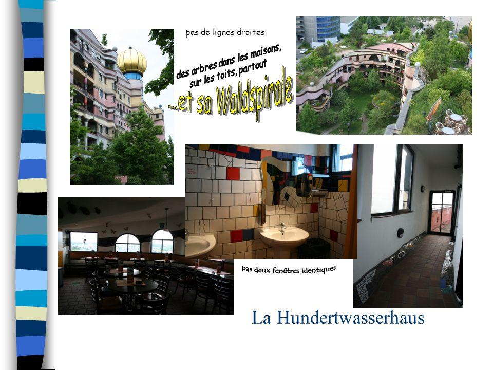 La Hundertwasserhaus ...et sa Waldspirale pas de lignes droites