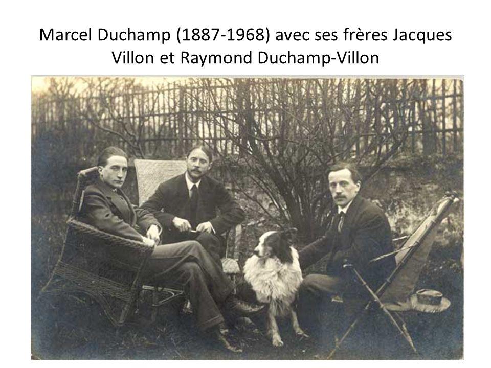 Marcel Duchamp (1887-1968) avec ses frères Jacques Villon et Raymond Duchamp-Villon
