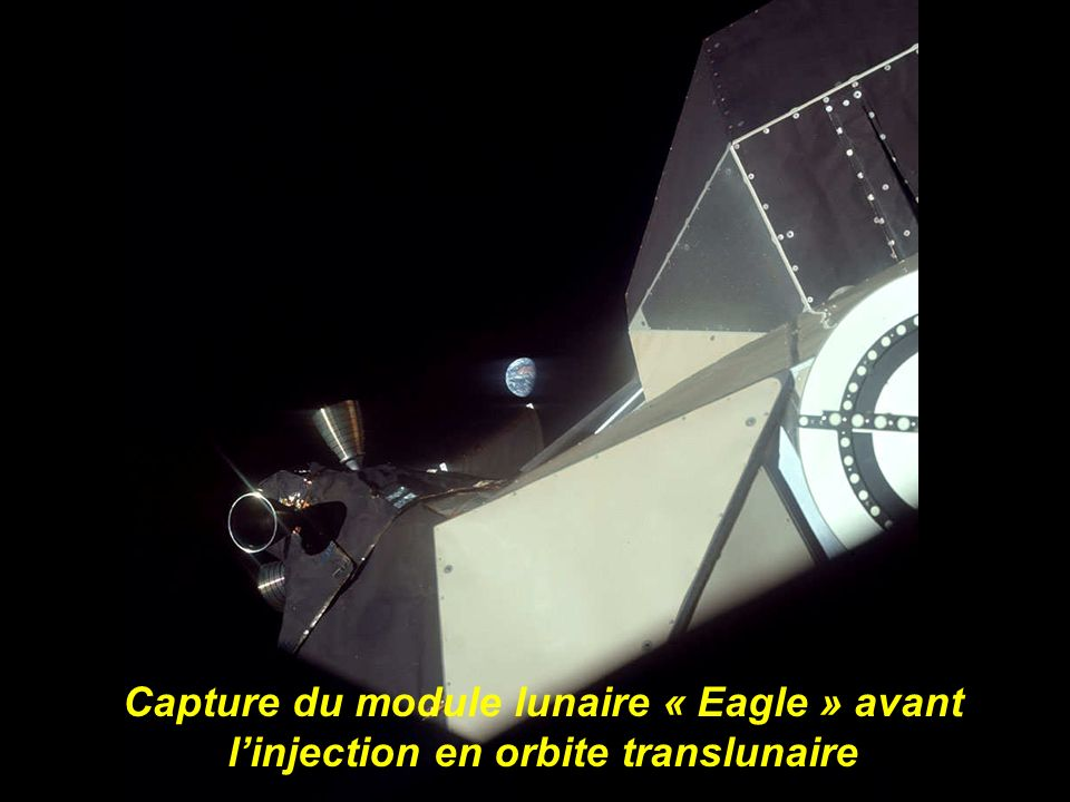 Capture du module lunaire « Eagle » avant l'injection en orbite translunaire