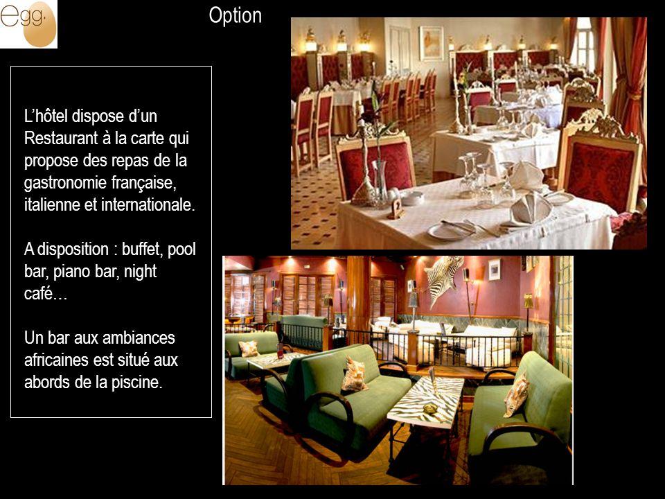 Option L'hôtel dispose d'un Restaurant à la carte qui propose des repas de la gastronomie française, italienne et internationale.