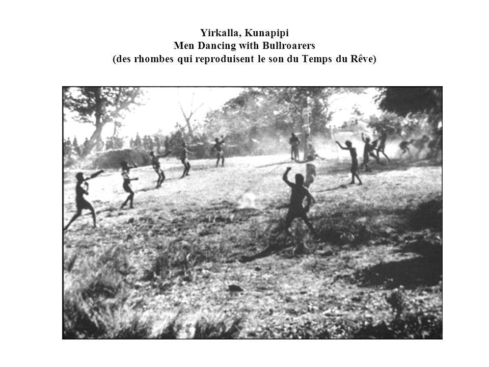 Yirkalla, Kunapipi Men Dancing with Bullroarers (des rhombes qui reproduisent le son du Temps du Rêve)