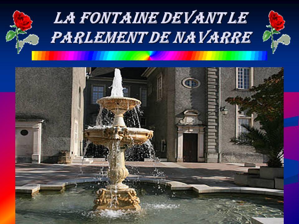 La fontaine devant le parlement de Navarre