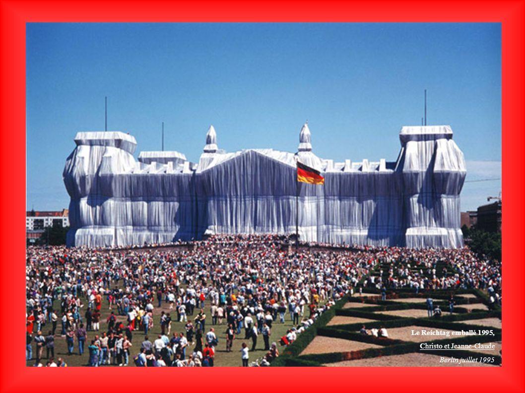 Le Reichtag emballé 1995, Christo et Jeanne-Claude Berlin juillet 1995