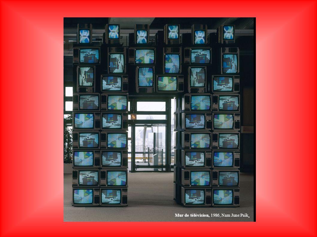 Mur de télévision, 1986, Nam June Paik,