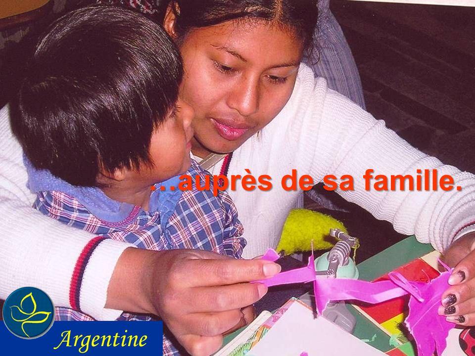 …auprès de sa famille. Argentine