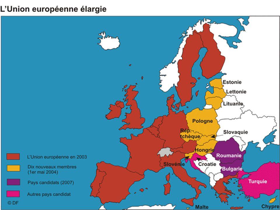 L'élargissement est l'une des politiques les plus réussies de l'UE mais aussi un puissant outil de politique étrangère. En passant de 6 à 25 États membres, l'UE a progressivement étendu sa zone de paix et de démocratie à tout le continent européen.