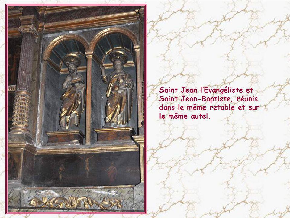 Saint Jean l'Evangéliste et Saint Jean-Baptiste, réunis dans le même retable et sur le même autel.