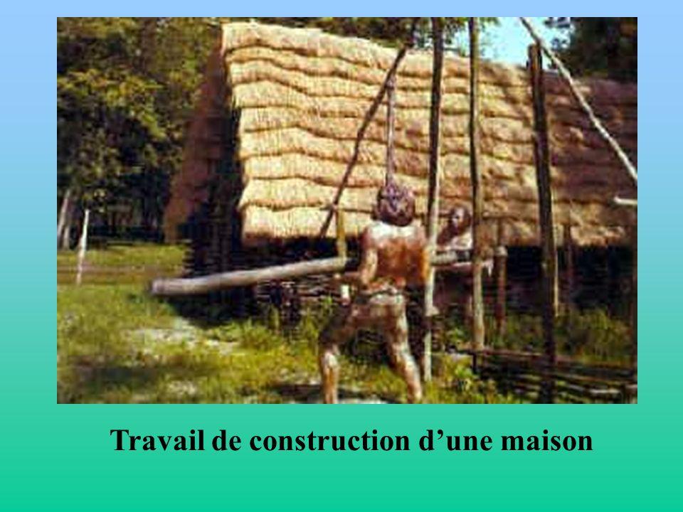 Travail de construction d'une maison