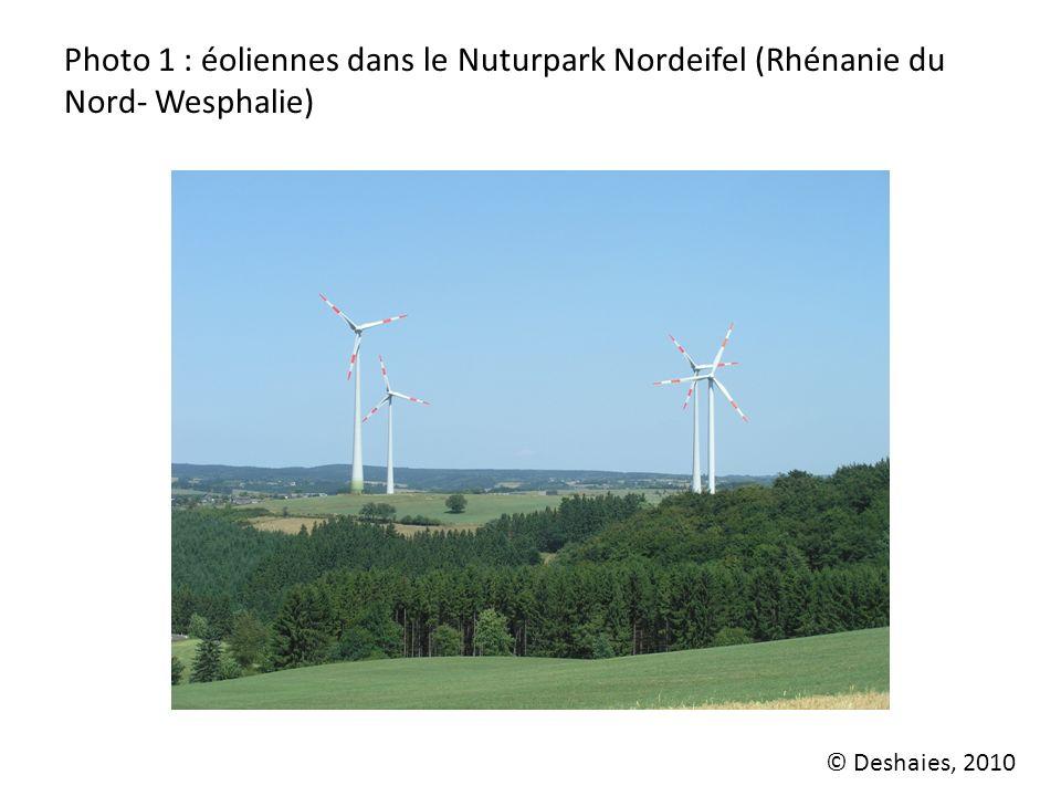 Photo 1 : éoliennes dans le Nuturpark Nordeifel (Rhénanie du Nord- Wesphalie)