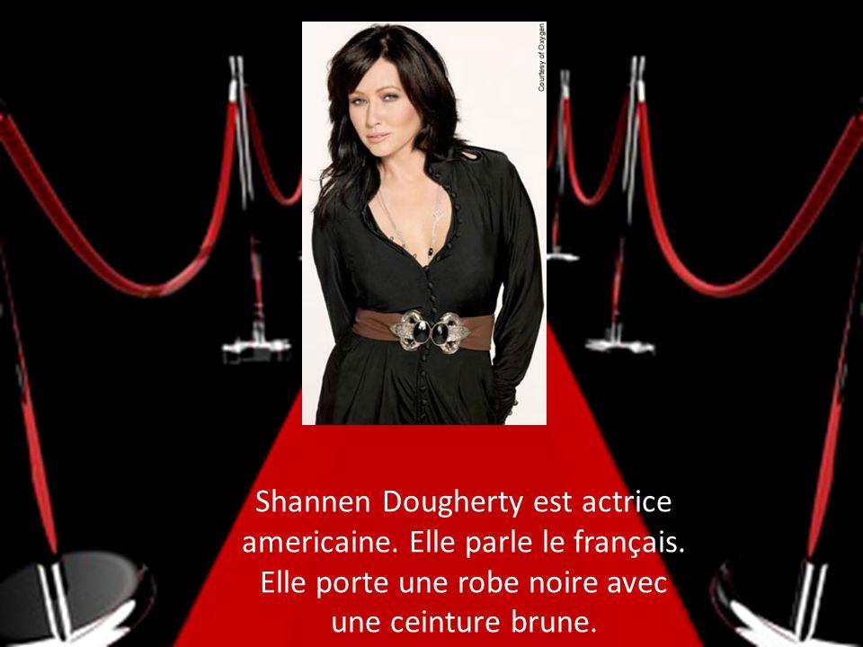 Shannen Dougherty est actrice americaine. Elle parle le français