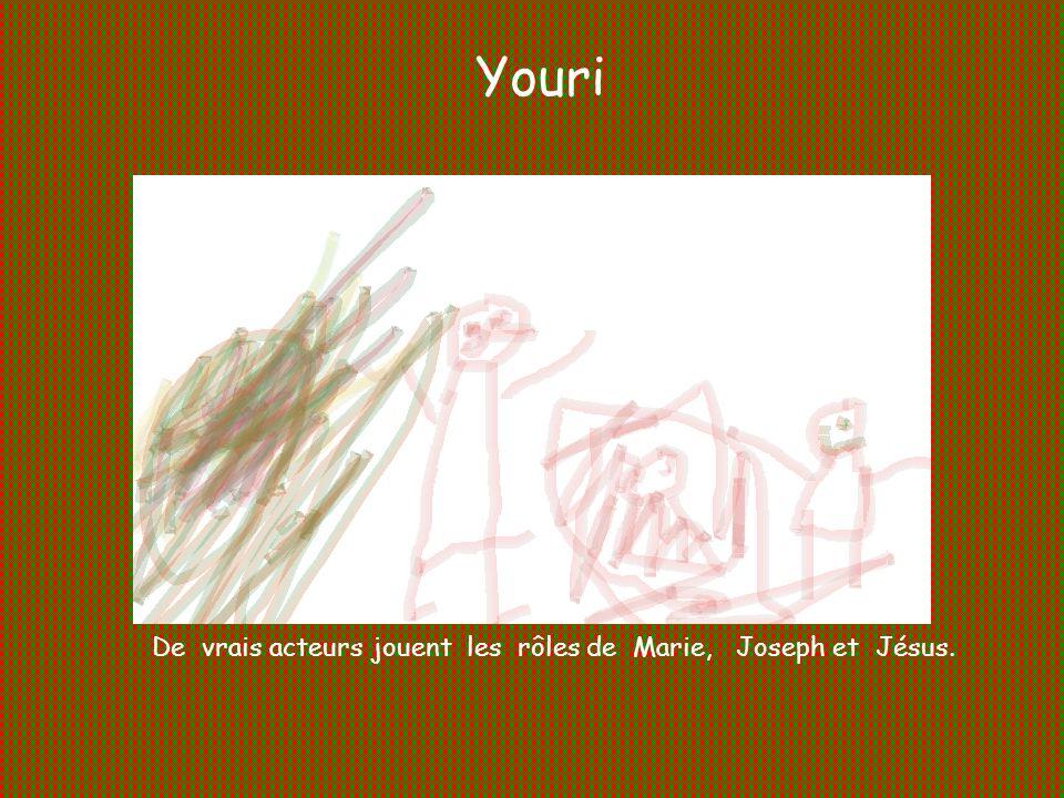 De vrais acteurs jouent les rôles de Marie, Joseph et Jésus.