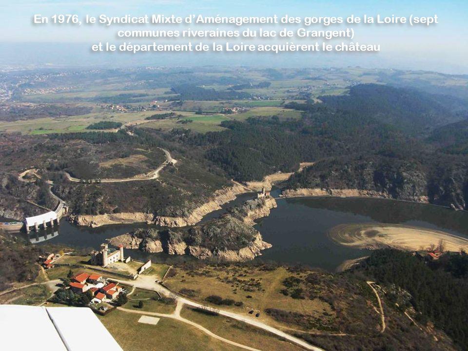 et le département de la Loire acquièrent le château