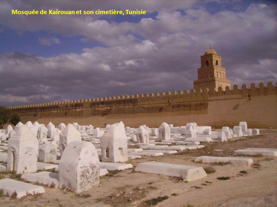 Mosquée de Kairouan et son cimetière, Tunisie