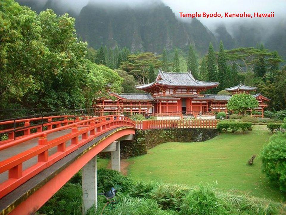 Temple Byodo, Kaneohe, Hawaii