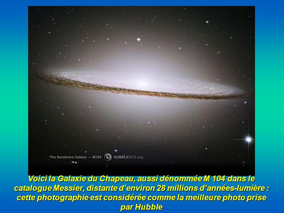 Voici la Galaxie du Chapeau, aussi dénommée M 104 dans le catalogue Messier, distante d'environ 28 millions d'années-lumière : cette photographie est considérée comme la meilleure photo prise par Hubble