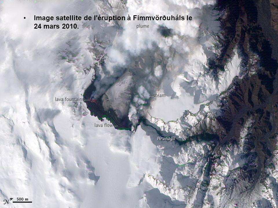 Image satellite de l éruption à Fimmvörðuháls le 24 mars 2010.