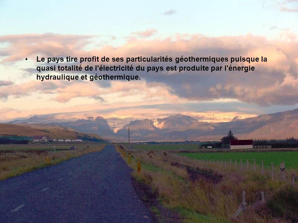 Le pays tire profit de ses particularités géothermiques puisque la quasi totalité de l électricité du pays est produite par l énergie hydraulique et géothermique.