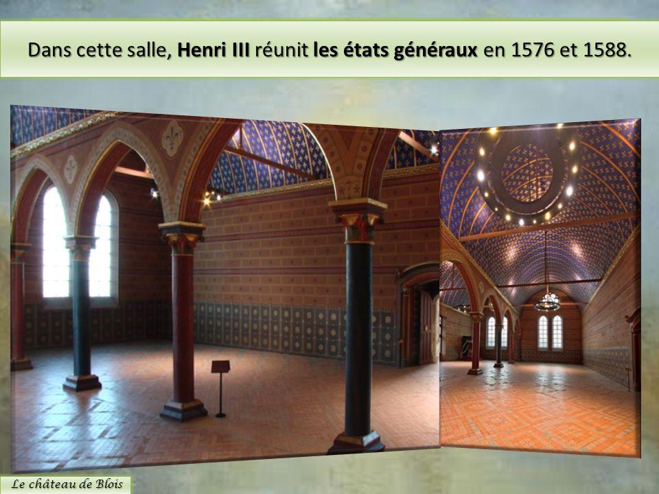 La salle des Etats est de style gothique du XIIIe siècle