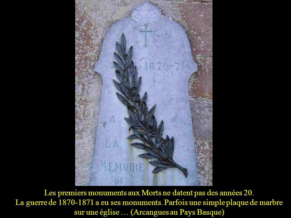 Les premiers monuments aux Morts ne datent pas des années 20