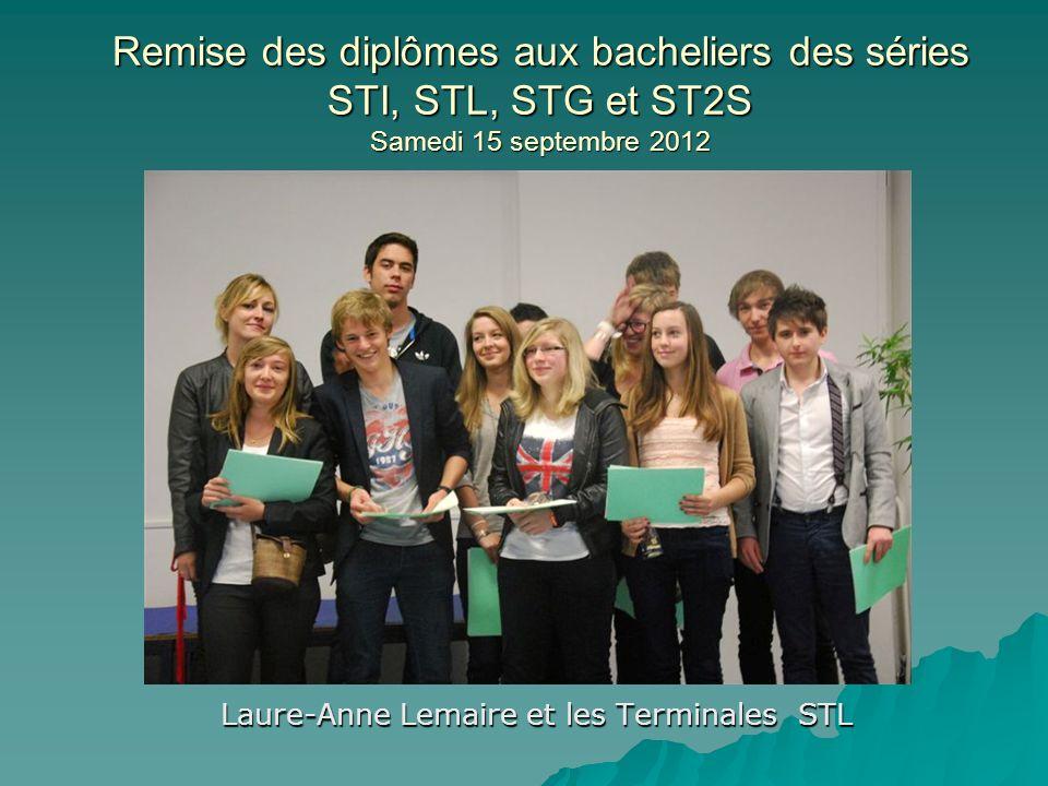 Laure-Anne Lemaire et les Terminales STL