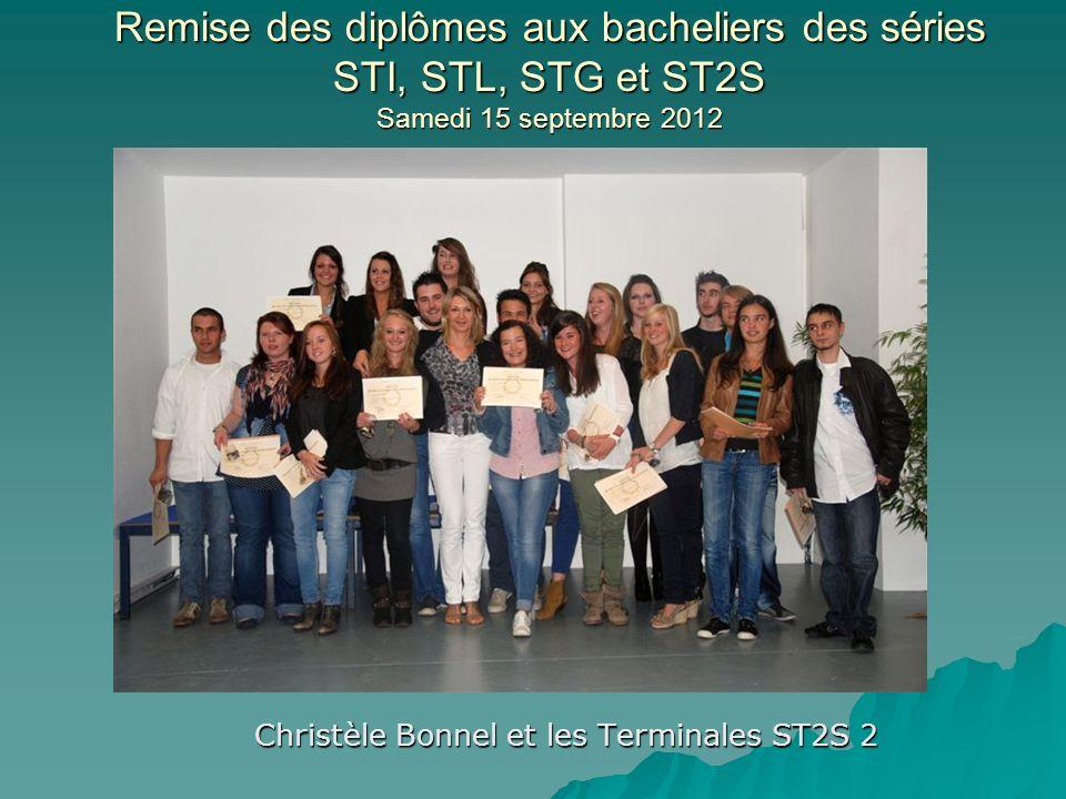 Christèle Bonnel et les Terminales ST2S 2