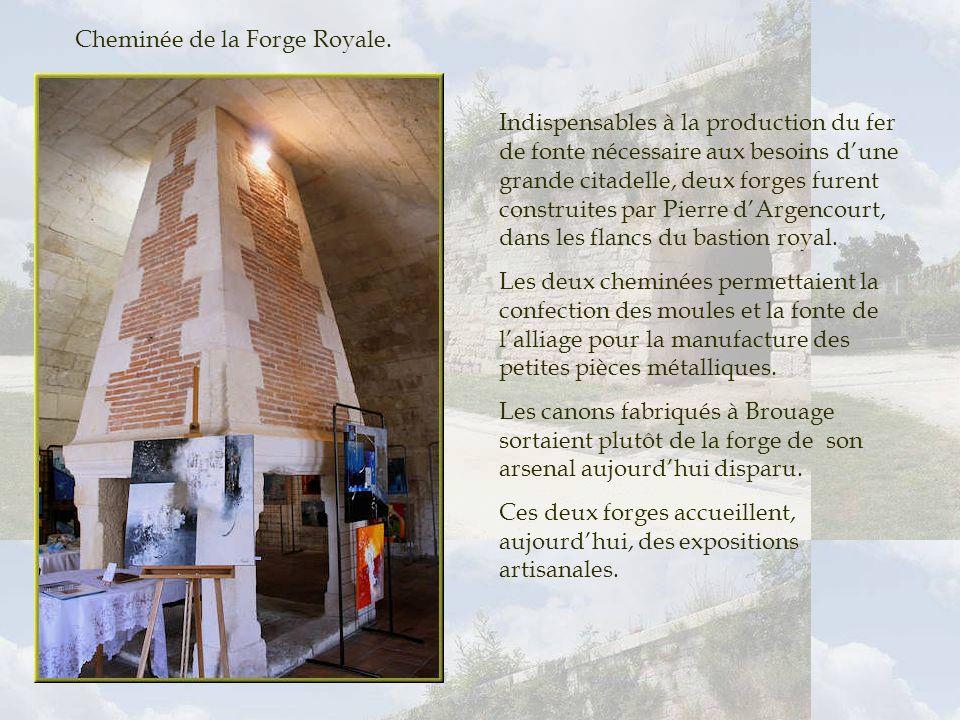 Cheminée de la Forge Royale.