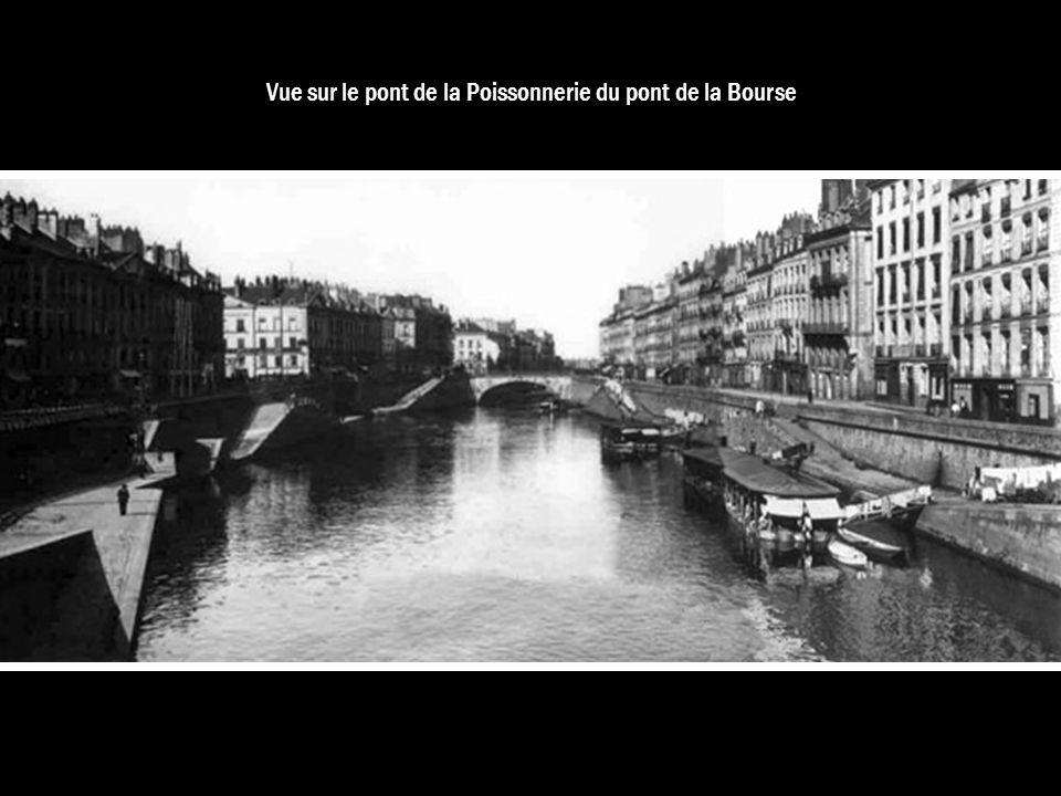Vue sur le pont de la Poissonnerie du pont de la Bourse