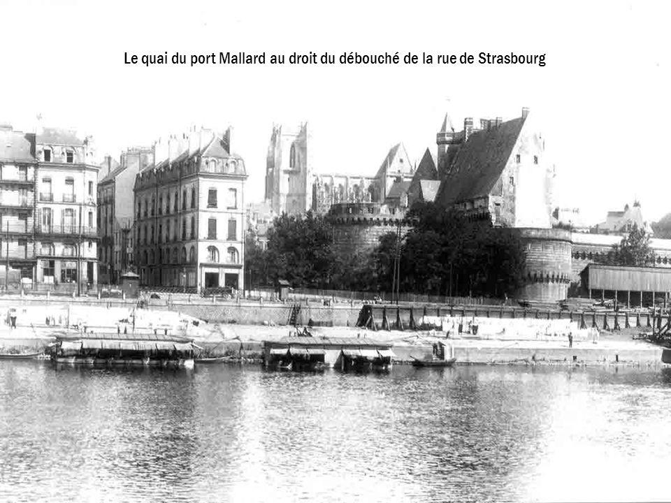Le quai du port Mallard au droit du débouché de la rue de Strasbourg