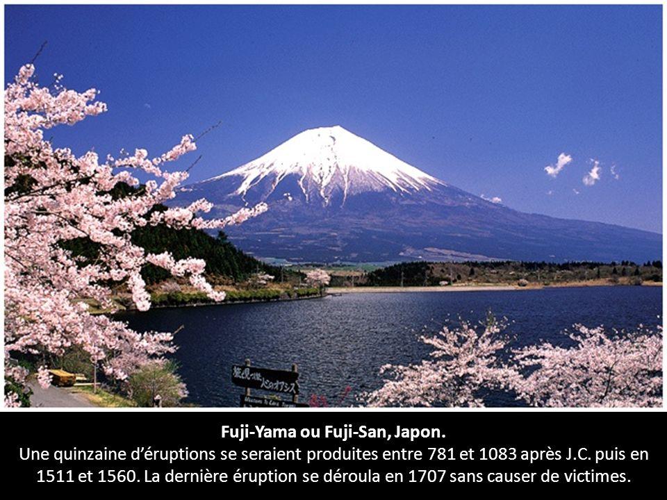 Fuji-Yama ou Fuji-San, Japon.