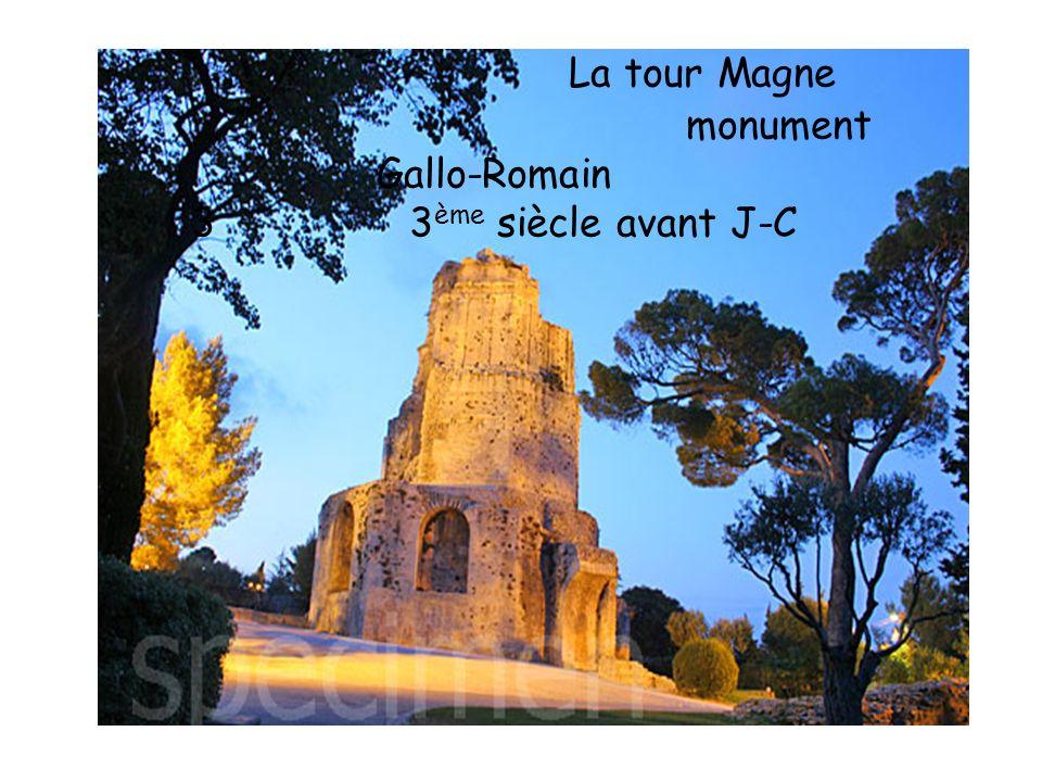 La tour Magne monument Gallo-Romain 3 3ème siècle avant J-C
