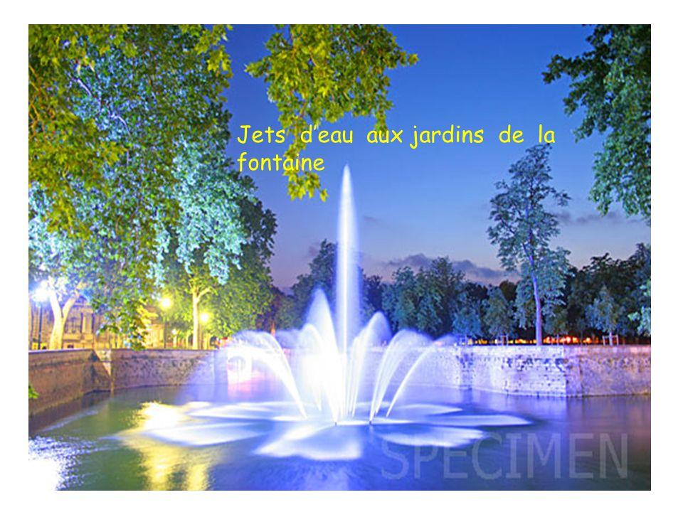 Jets d'eau aux jardins de la fontaine