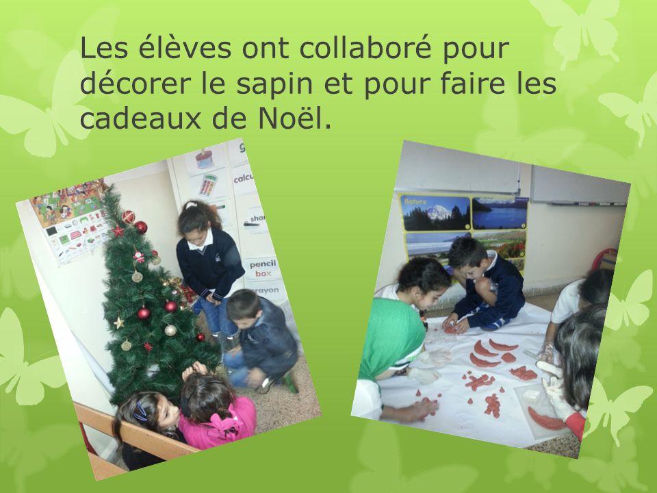 Les élèves ont collaboré pour décorer le sapin et pour faire les cadeaux de Noël.