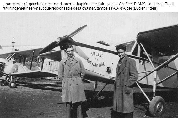 Jean Meyer (à gauche), vient de donner le baptême de l'air avec le Phalène F-AMSL à Lucien Pidell, futur ingénieur aéronautique responsable de la chaîne Stampe à l'AIA d'Alger (Lucien Pidell)