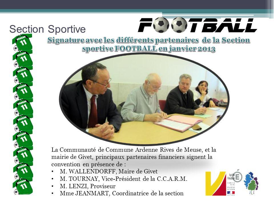 Section Sportive Signature avec les différents partenaires de la Section sportive FOOTBALL en janvier 2013.