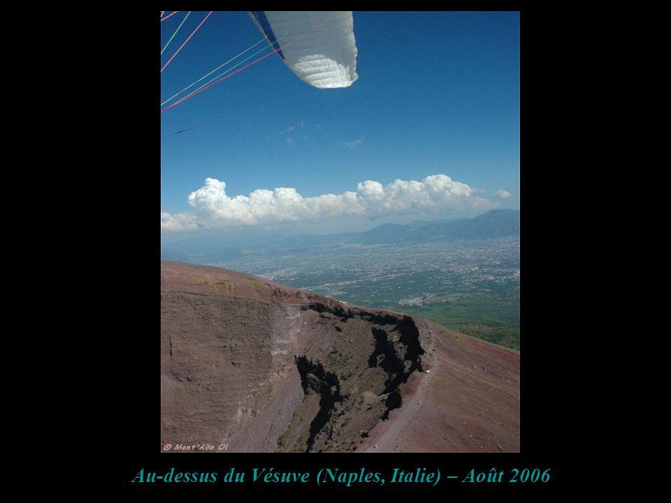 Au-dessus du Vésuve (Naples, Italie) – Août 2006