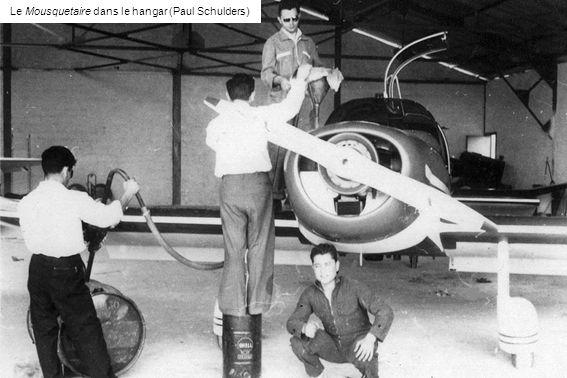 Le Mousquetaire dans le hangar (Paul Schulders)