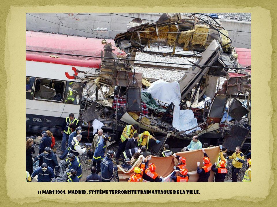 11 mars 2004. MADRID. Système terroriste TRAIN attaque de la ville.