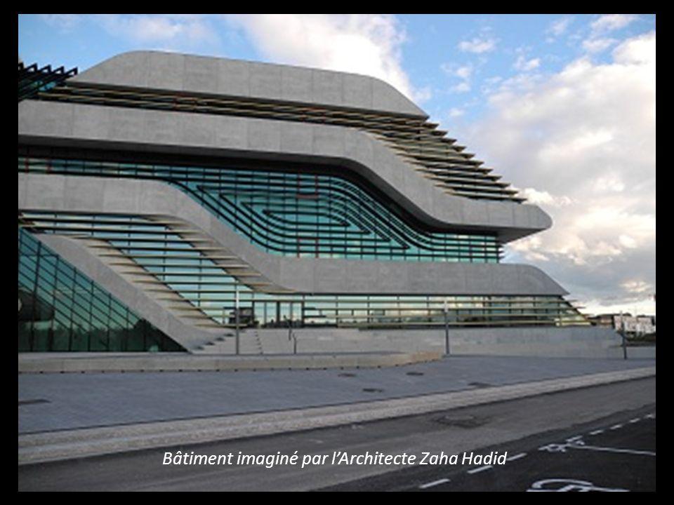 Bâtiment imaginé par l' Architecte Zaha Hadid