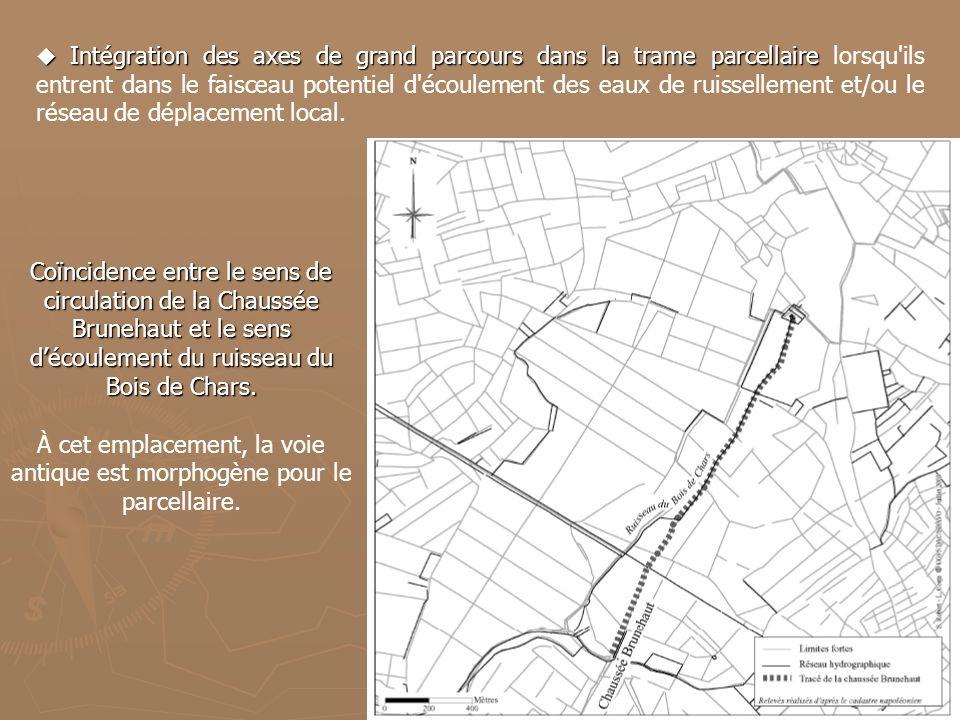 À cet emplacement, la voie antique est morphogène pour le parcellaire.
