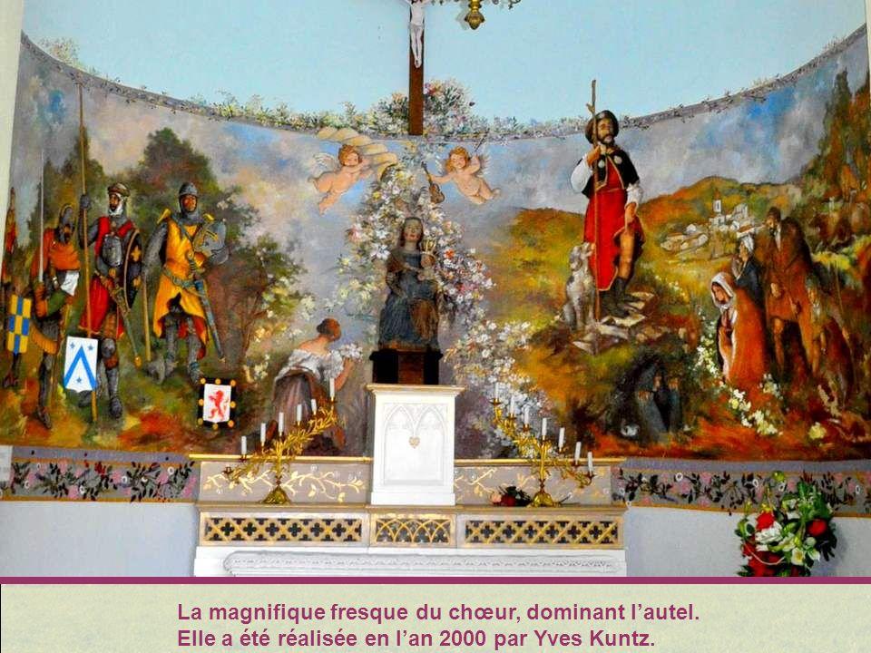 La magnifique fresque du chœur, dominant l'autel