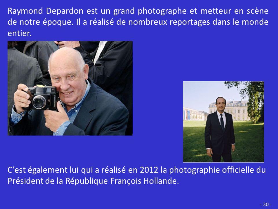 Raymond Depardon est un grand photographe et metteur en scène de notre époque. Il a réalisé de nombreux reportages dans le monde entier.