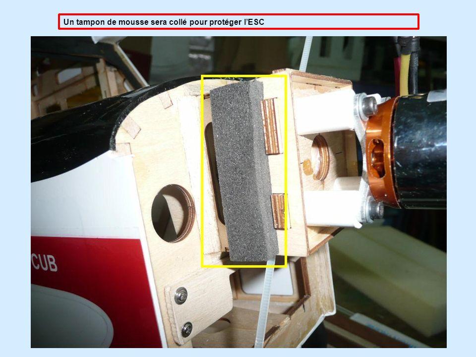 Un tampon de mousse sera collé pour protéger l'ESC