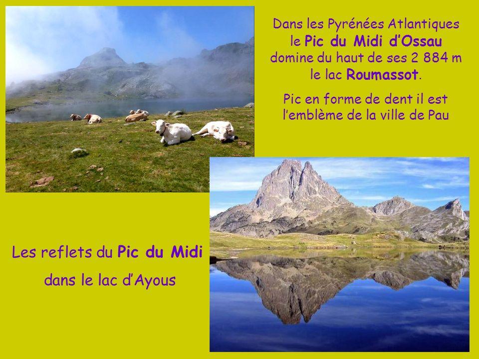 Les reflets du Pic du Midi dans le lac d'Ayous