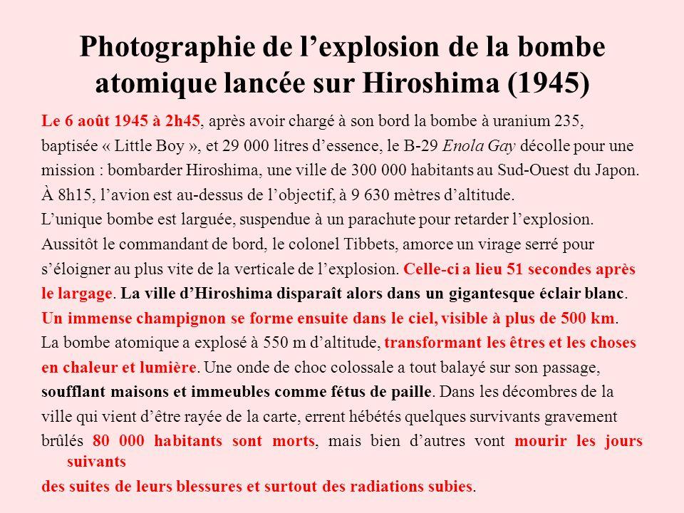 Photographie de l'explosion de la bombe atomique lancée sur Hiroshima (1945)